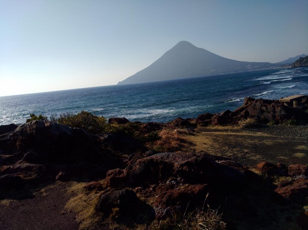 長崎鼻から見る開聞岳