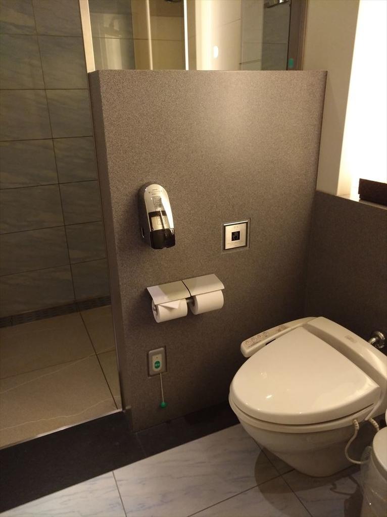 羽田空港シャワー室完備。ANA SUITELOUNGE